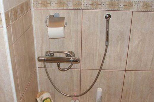 Смеситель с душем для туалета, фото