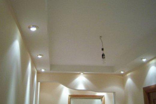 Потолок из гипсокартона в прихожей, фото