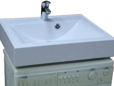 Раковина-кувшинка в комбинации со стиральной машиной