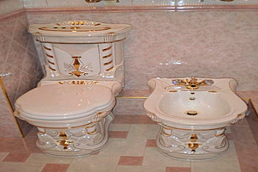 Ампирный туалет