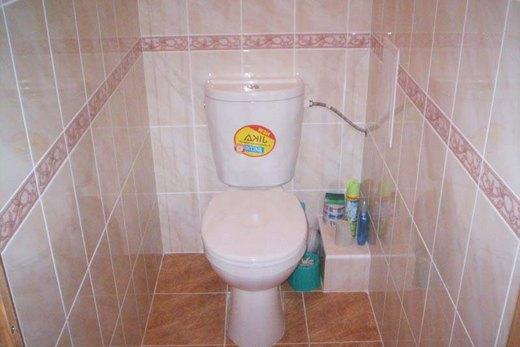 Листы гипсокартона на стенах в туалете