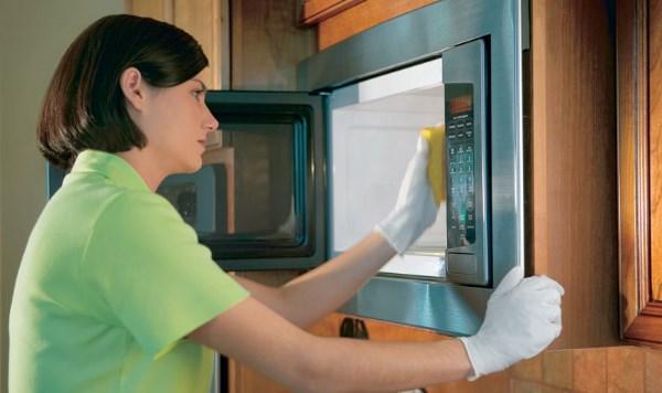 Как быстро отмыть свч-печь