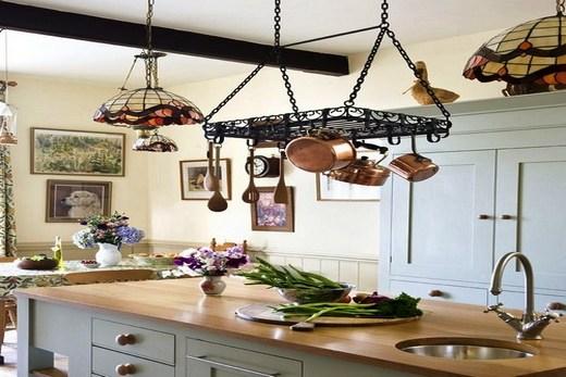 Рейлинги на кухне в Прованс стиле