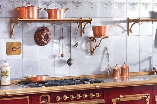 Рейлинги под золото на кухне