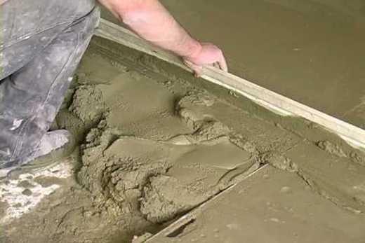 Выравниваем цементный пол