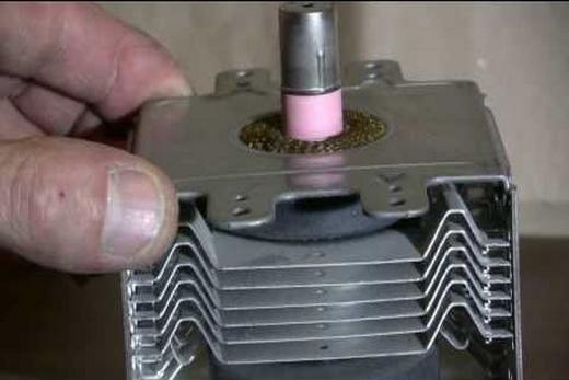 Причина в магнетроне - не работает микроволновая печь