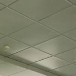 Кассетный подвесной потолок в ванной комнате