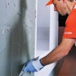 Оштукатуривание вертикальной стены