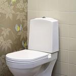Отделка стен в туалете обоями и плиткой