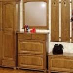Шкаф из цельной древесины