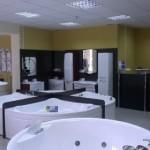 Отдел магазина по продаже акриловых ванн