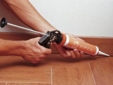Заделка швов между плитками герметиком