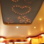Нижний потолок для всех, верхний – для нас двоих! – это желают сказать хозяева сего декоративного чуда