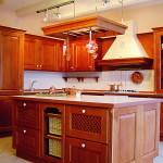 Интерьер кухни с вытяжкой
