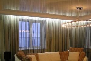 Подсветка зеркального потолка в зале