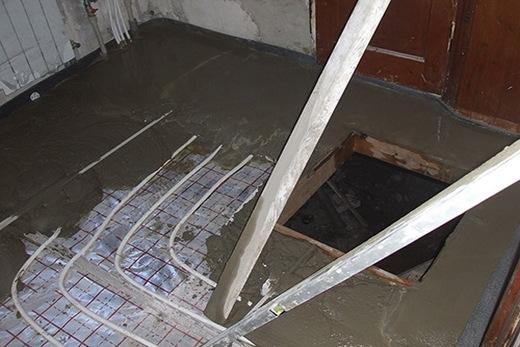 Укладываем стяжку на теплый пол водяного типа