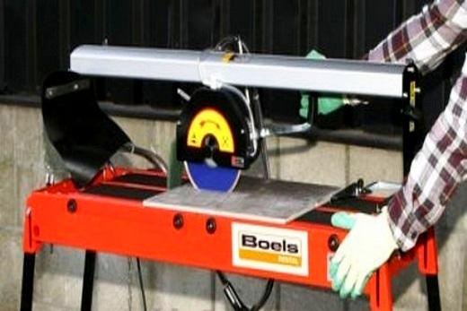 Плиткорез с приводом от электромотора