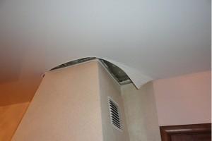 Монтаж натяжного потолка вокруг гипсокартонного короба