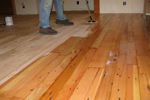 Маслом покрываем деревянные полы