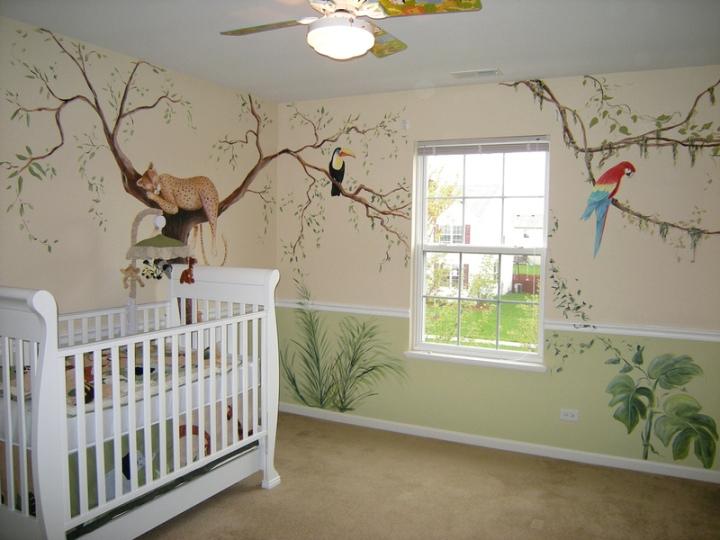 Украшаем стены в детской живыми рисунками